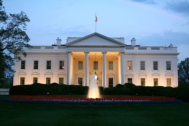White_House-_north_side_at_night_-_April